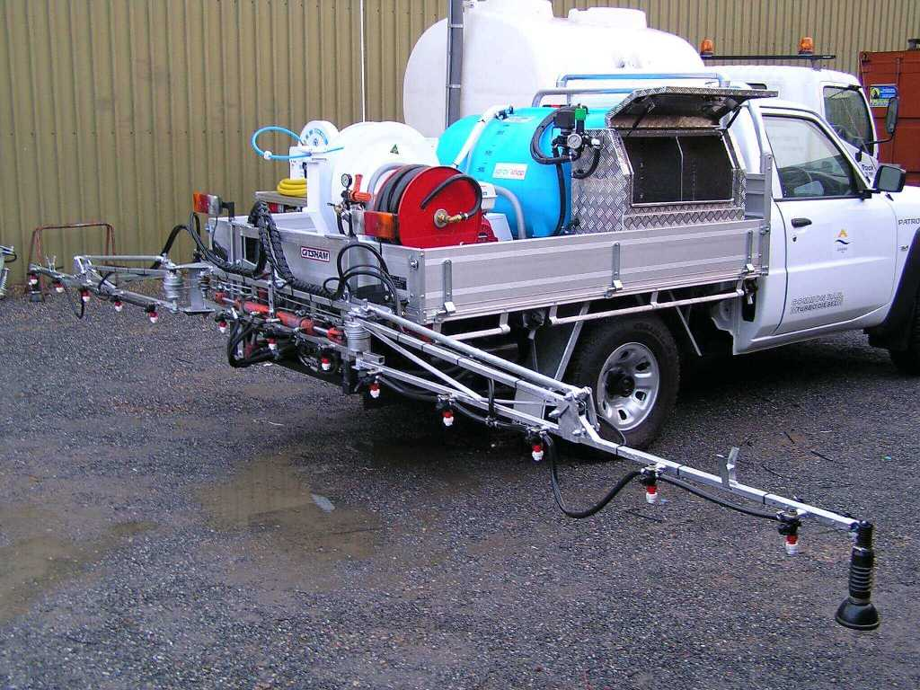 600 litre Quik Spray unit with chemical induction system and 8 metre hydraulic folding boom auto rate controled, double sided foam marker