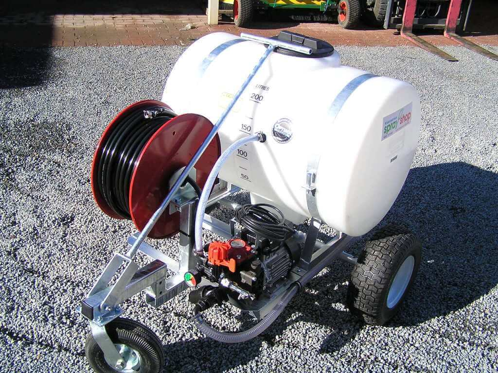 Purpose built 200 litre tank with 100metre hose reel with AR252 electric pump for Bowling Green maintenance