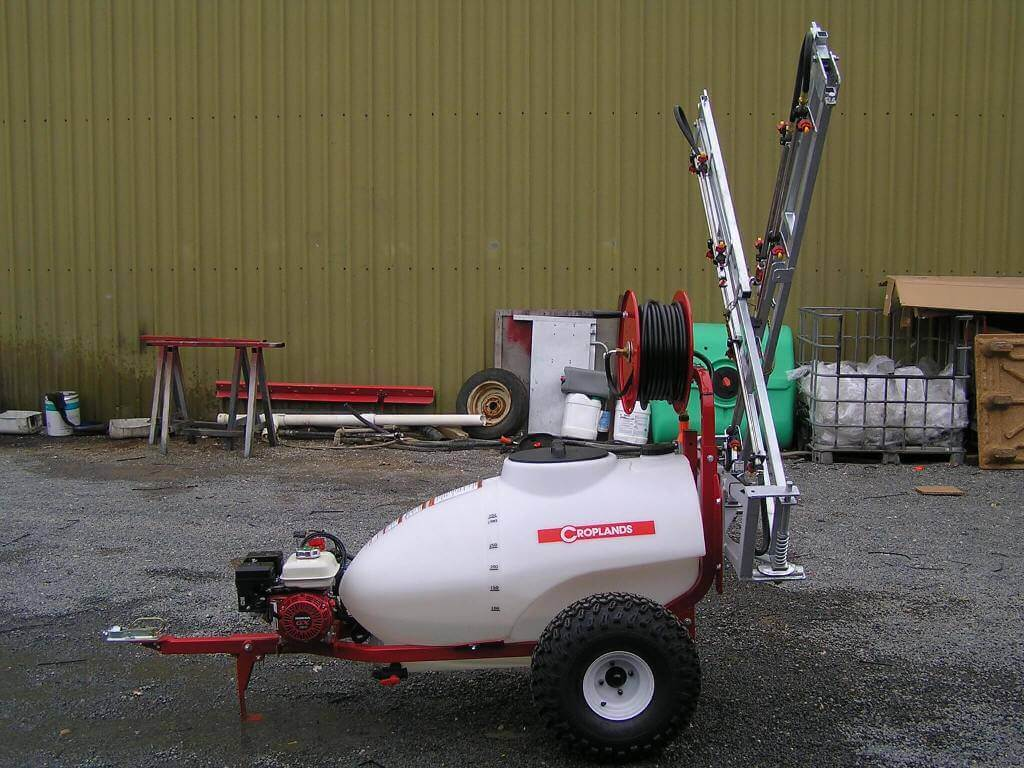300-litre trailed flower plot sprayer, 6-metre boom with 30-metre hose reel and engine driven diaphragm pump on turf tyres