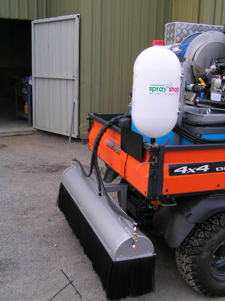 Kubota diesel 4X4 with 400 litre Quik corp ATV unit chemical dosing unit, rear covered boom and spot spray gun and side spray gun