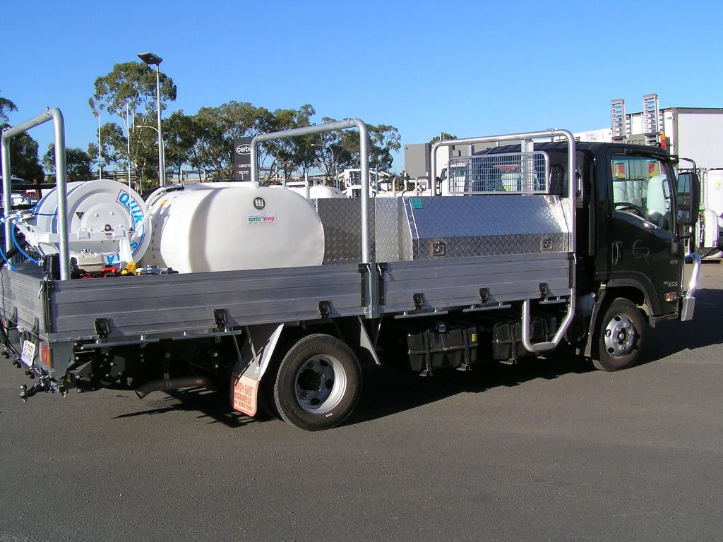 Truck-mounted 600-litre tank with dual quikspray reels, high capacity high-pressure product pump with single impeller fire fighting unit used by Electel Resources