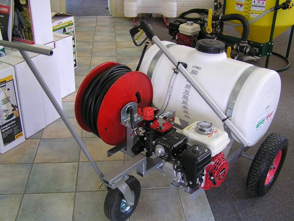 Moly Trolley bowling greensprayer, fitted out with AR2 electric pump and 30-metre hose reel