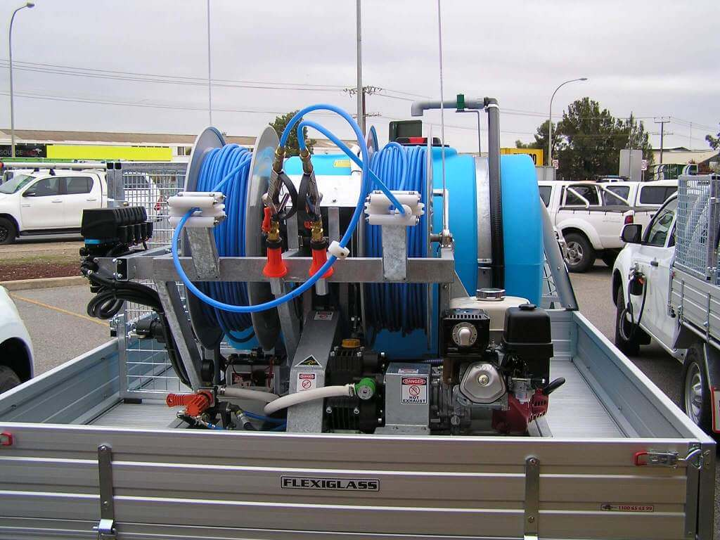 600litre twin reel quikspray chemical safety cage with 4metre boom spot spray gun and side jet gun